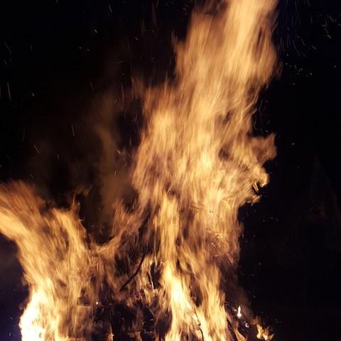 Feuer.jpg. Vergrösserte Ansicht