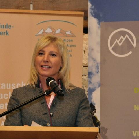 Ulrike Scharf, Bayerische Staatsministerin für Umwelt und Verbraucherschutz (c) CIPRA. Vergrösserte Ansicht