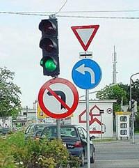 Strassenverkehrsschilder
