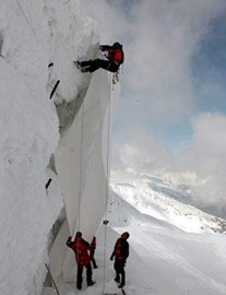Abdeckaktion des Gurschen-Gletschers bei Andermatt/CH.