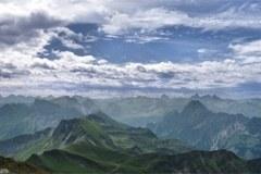 Die Website möchte der Öffentlichkeit die Inhalte der Alpenkonvention auf einfache und dynamische Weise vermitteln.