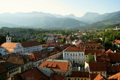"""Bei der diesjährigen Mitgliederversammlung von """"Allianz in den Alpen"""" in Kamnik/SI setzten sich Gemeinden mit dem Klimawandel auseinander."""