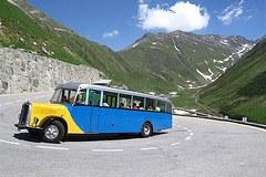 Bequemer geht's nicht: Mit dem Bus direkt an den Startpunkt der Wanderroute.