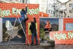 Aufbauen the wall