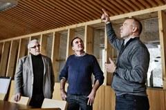 Felix Näscher (Liechtenstein), CIPRA-Geschäftsführer Andreas Götz, Architekt Johannes Kaufmann (von links)