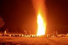Lagerfeuer, Signal, Feuer in den Alpen