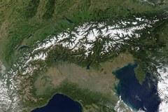 L'arc alpin : couvert par un réseau de 4 200 kilomètres de route.