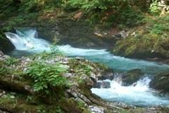 """Le but du IIème Rapport sur l'état des Alpes est de promouvoir le débat sur """" l'eau et la gestion de l'eau """"."""