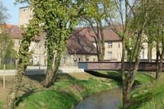 La rivière Eine renaturée contribue à la nouvelle image de la ville d'Aschersleben.