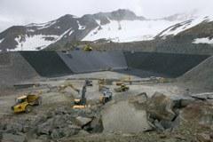 Plus grand, plus large, plus profond : une infraction à la Convention alpine ?