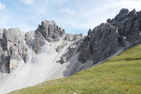 Le massif des Kalkkögel, appelé aussi les « Dolomites du Tyrol septentrional », constitue une zone de tranquillité entre deux grandes stations de ski. © Gabi Bachmann / pixelio.de