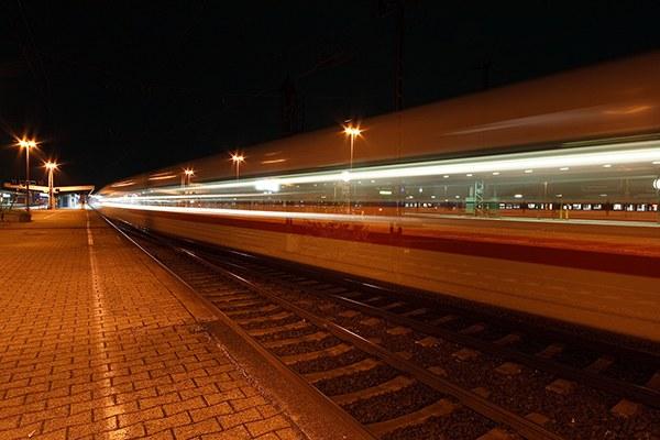Desserte des Alpes en train de nuit : est-ce l'offre qui s'adapte à la demande – ou le contraire ? © Dirk Vorderstrasse / Flickr.com