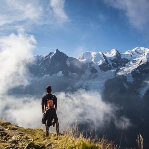 Alba sul massiccio del Monte Bianco: il 22enne sloveno Nejc Kavka vince uno dei cinque premi per la migliore foto di viaggio. © Nejc Kavka, enlarged picture.
