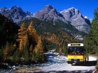 Postauto im Schweizerischen Nationalpark.