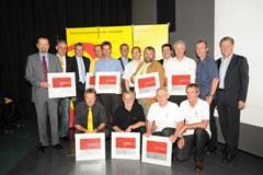 I responsabili del gruppo e i sindaci alla consegna del riconoscimento