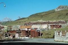 Limiti di spazio nelle Alpi: i Giochi olimpici non devono diventare un'occasione per  edificare le aree coltivabili.