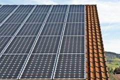 Molti comuni italiani producano più energia di quella che consumano.