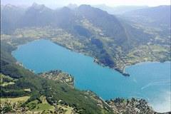 Una piccola vittoria? La legge Grenelle II prevede di ripristinare la protezione del territorio attorno ai grandi laghi di montagna. Tra cui il Lago di Annecy/F