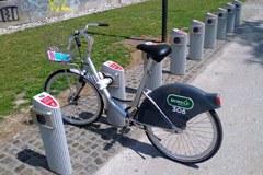 Lubiana, una città a misura di bicicletta: gli abbonamenti per le biciclette pubbliche sono settimanali o annuali.