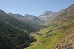 Plan/I, membro delle Alpine Pearls: il pittoresco villaggio nell'alta Val Passiria è una delle località turistiche alpine senza auto.