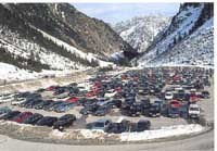 Parkplatz eines Wintersportgebietes
