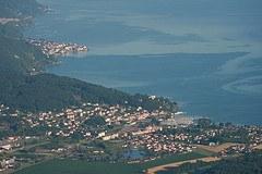 Železniška proga med francoskim Evianom in švicarskim St. Gingolphom je osrednji element prometne dostopnosti do južne obale Ženevskega jezera.