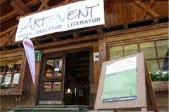 Na ARTeVENT-u je letos odprl vrata tudi ART Café, namenjen razpravam o izbranih temah.