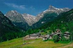 V zadnji številki se v rubriki Case in Point predstavlja italijanski narodni park Mont Avic.