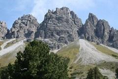 """""""Severni Dolomiti"""": strme stene kalkkögelskega pogorja na Tirolskem so pri navdušenih plezalcih in pohodnikih izjemno priljubljene."""