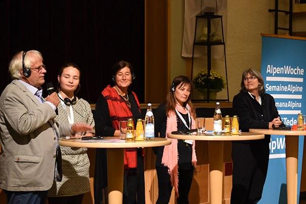 Raznolikost tem, interaktivna zasedanja in večkulturno  občinstvo - tokrat pod geslom Alpe in ljudje © CIPRA International