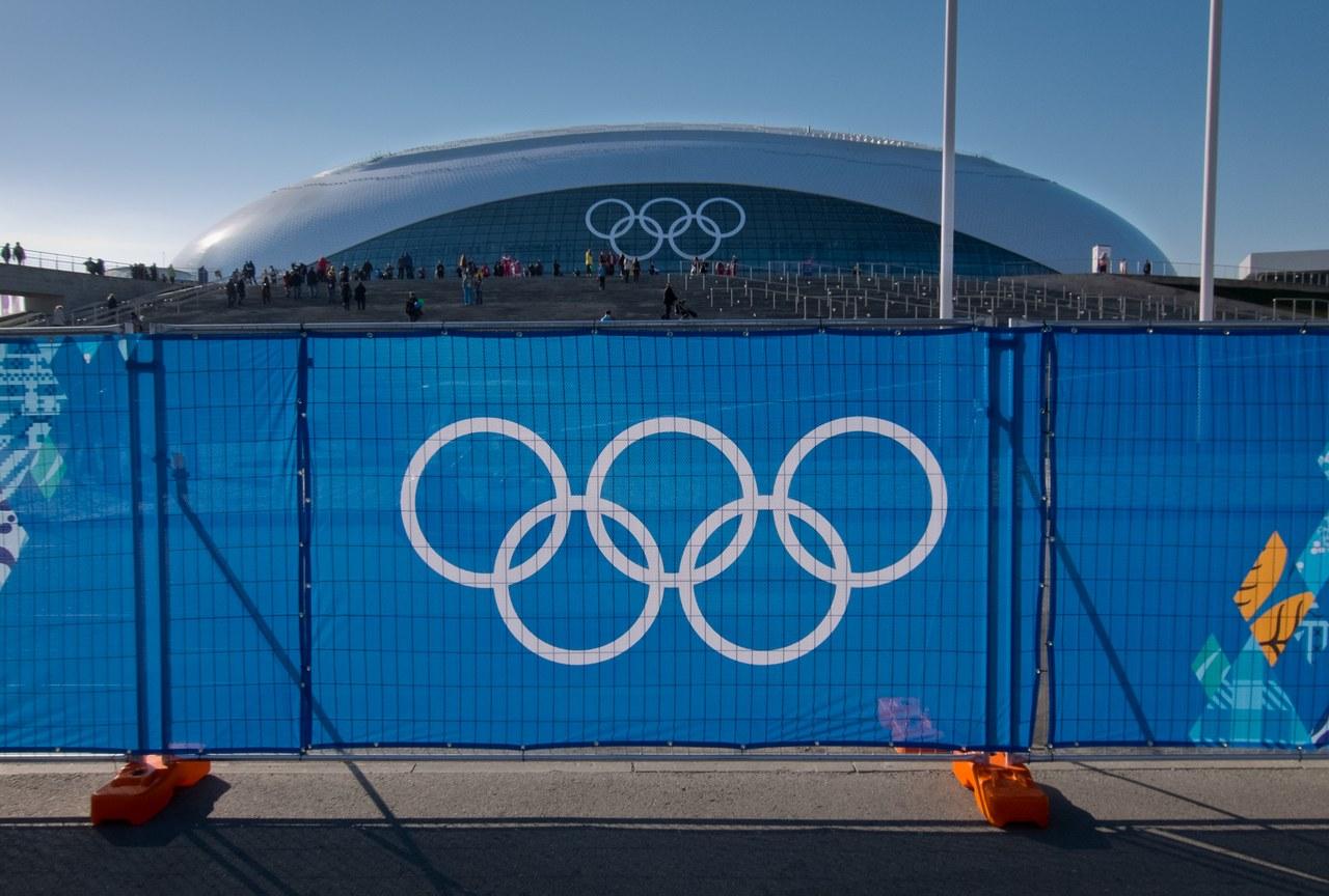 Trajnostnost ima tudi svojo slabo stran: organizacija zimskih olimpijskih iger pomeni predvsem visoke stroške in gradnjo novih športnih objektov (Soči 2014). © Ken Yee